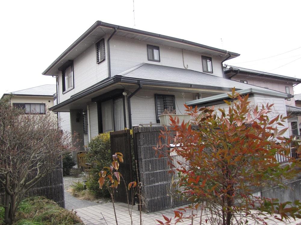 Y様邸外壁屋根塗装工事前写真。
